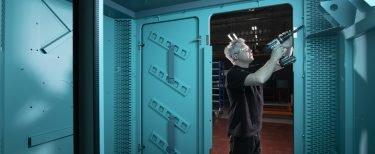 Lontra Blade Compressor® enclosure